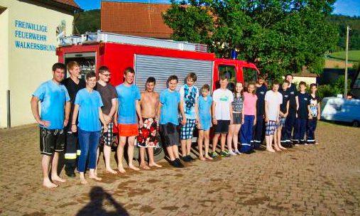 Gruppenfoto der Teilnehmer bei der 2. Schnitzeljagd der Jugendfeuerwehr Walkersbrunn
