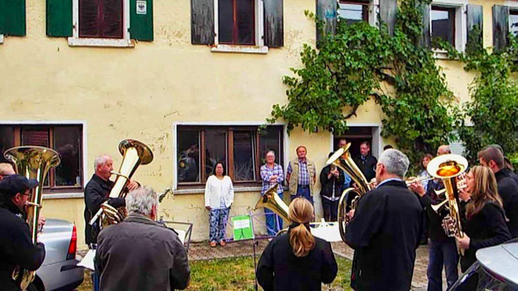 Der Posaunenchor Walkersbrunn unter Leitung von Erika Trautner umrahmte die Feierstunde mit besinnlichen und fröhlichen Weisen.