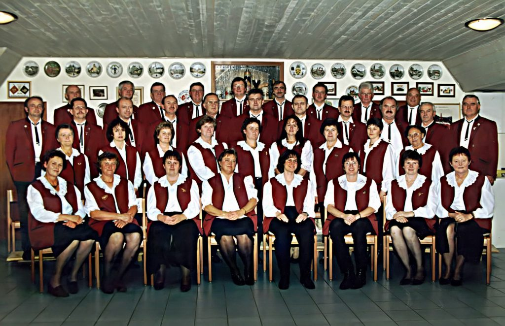 Vereinsbild des Gesangverein Walkersbrunn im Jahr 2002