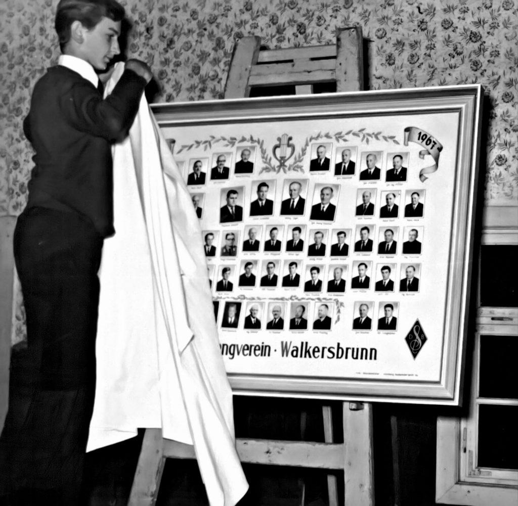 Vereinsbildenthüllung durch Fritz Strehl im Jahr 1968