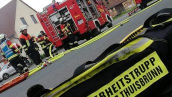 Atemschutzübung der Feuerwehr am Hof der Firma Obst Trautner