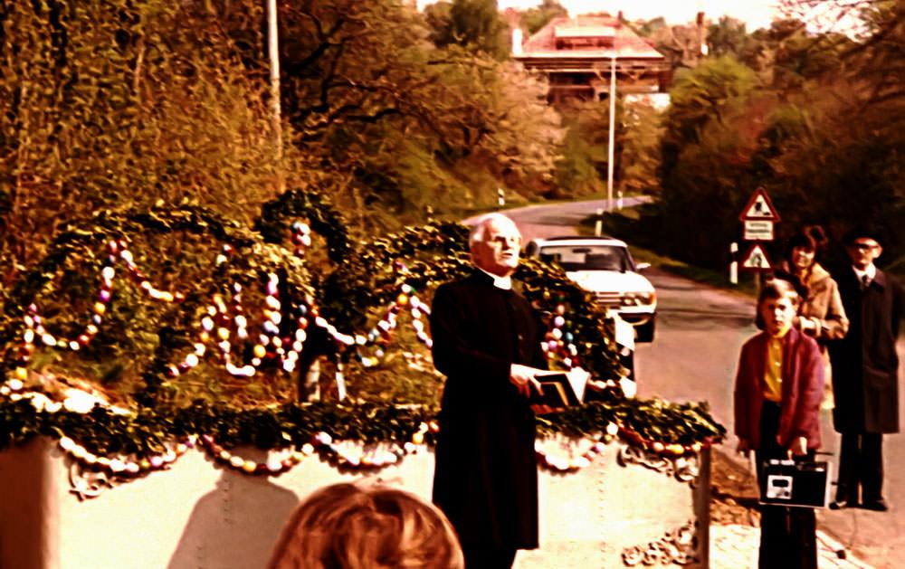Ortsbrunnenweihe durch Pfarrer Blümlein 1981 in Walkersbrunn