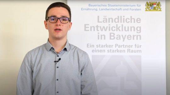 Adrian Käß vom Amt für Ländliche Entwicklung Oberfranken beantwortet auf Youtube Fragen zur Wahl